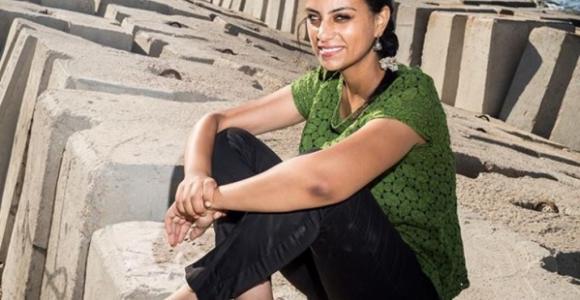 """""""إهانة الداخلية"""" إحدى التهم التي تفضي إلى حبس المدافعات عن حقوق الإنسان والنشطاء"""